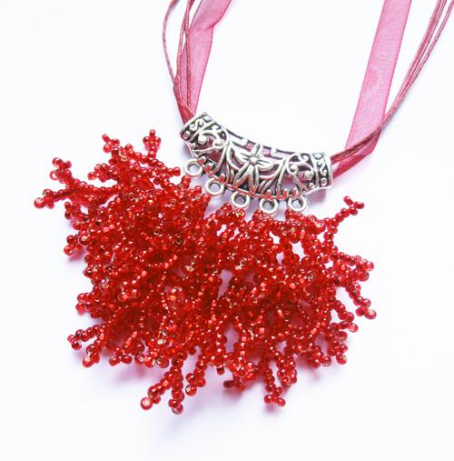 Větvičkový náhrdelník  rubínový