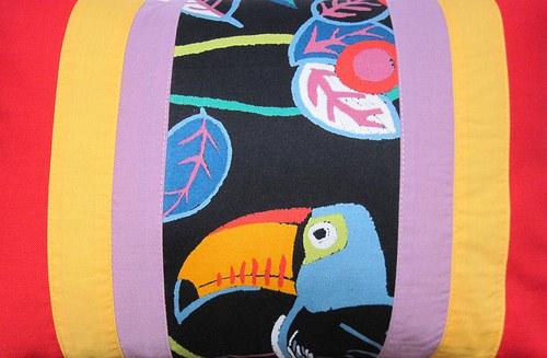 Tady je papouškovo... polštář SLEVA