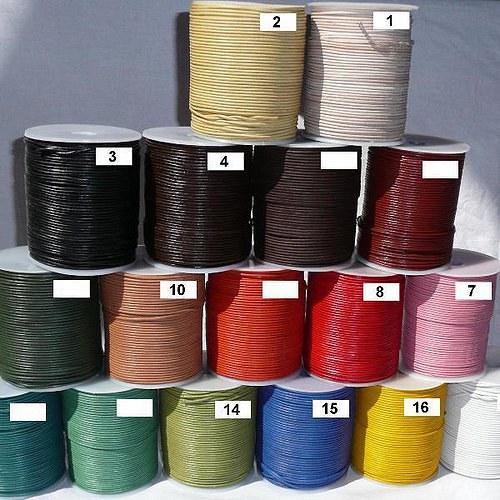 Barvený kožený řemínek - průměr 4mm - balení 2 m
