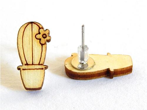 Dřevěné náušnice, topolky, puzeta, kaktus s kytkou