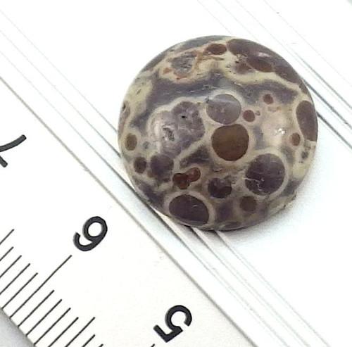 Přírodní jaspis - kulatý kabošonek