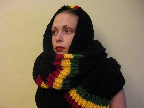 Ručně pletená šála .Rasta