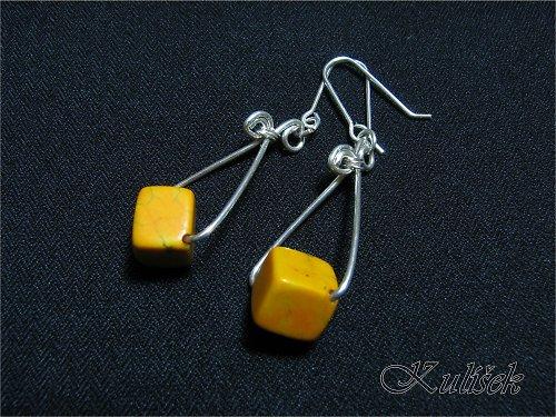 žluté kostičky