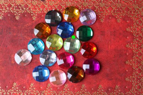 Akrylové kabošony 14 mm druhé světlezelené 3 ks