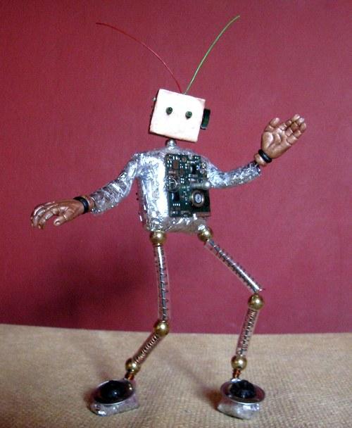 autorský panáček robot J9P