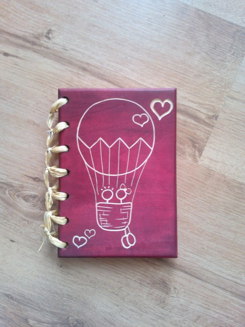 Dřevěné fotoalbum - Zamilovaný balónek (A5)