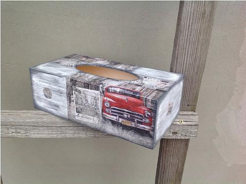 Krabička na kapesníky červené auto
