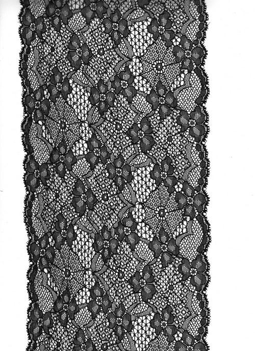 Černá nádhera na tylu-jemná pavučinka 15,5 cm