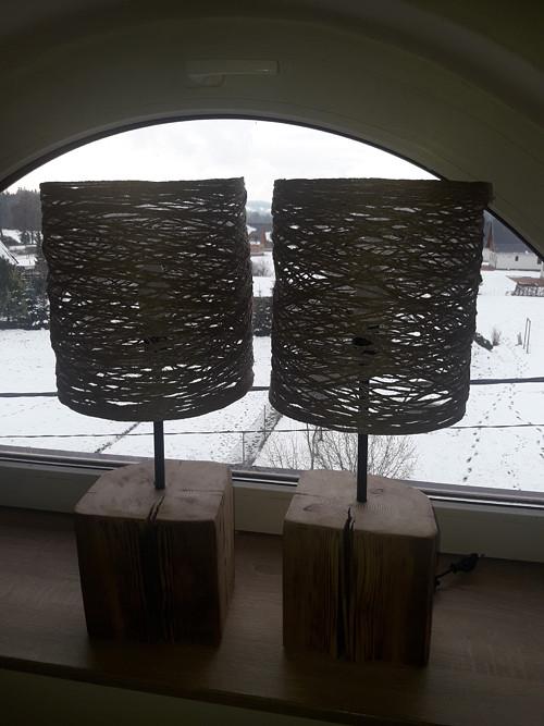 Lampička ze starého trámu válcová