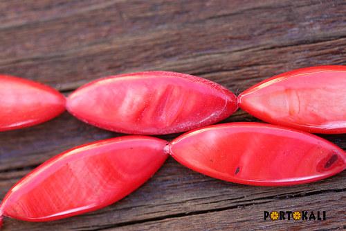 Perleťové korálky červené 3 ks