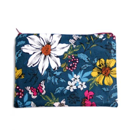 Květy na modré (zip kapsička MEDIUM) VÝPRODEJ
