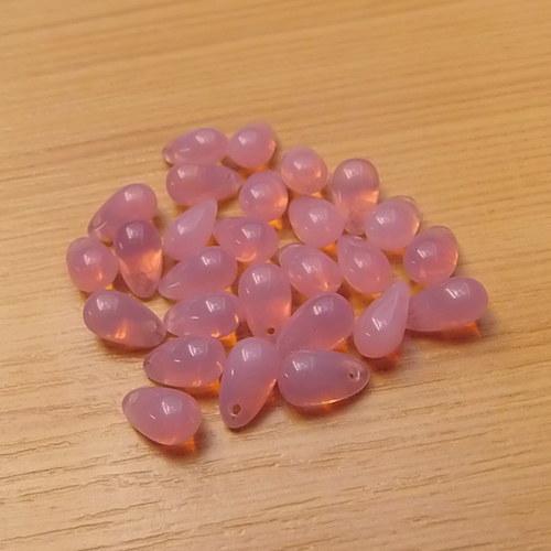 Růžové  kapky  - 9 x 6 mm