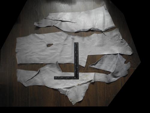 Odřezky kůže 1,5-2mm - šedá 3 velké kusy  (H6)