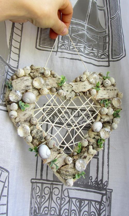 Srdce s drahokamy
