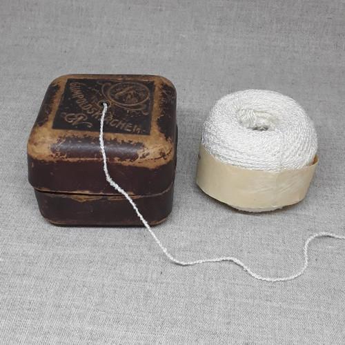 Krabička na odvíjení příze, r. 1909