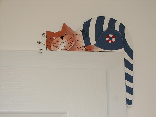 Dřevěná kočka NÁMOŘNÍK na dveře nebo polic