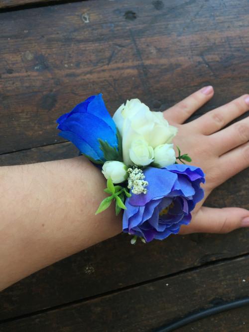 Květinový náramek - modrý