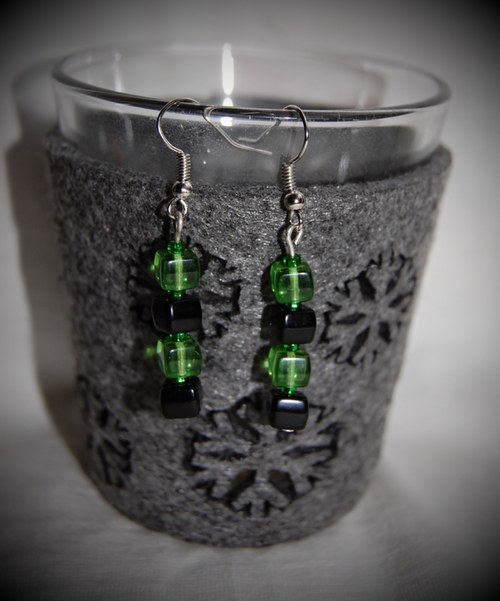 Naušnice černo-zelené kostky