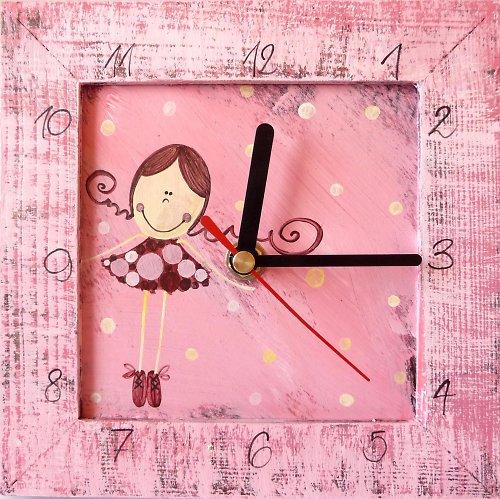 hodiny s kukačkou - růžové s Pavlínkou