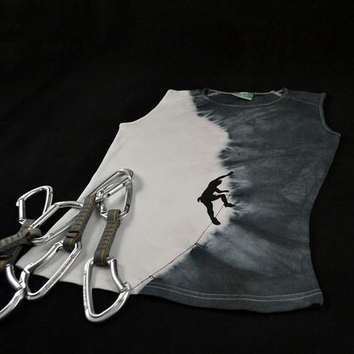 Šedo-bílý dámský top s horolezcem S