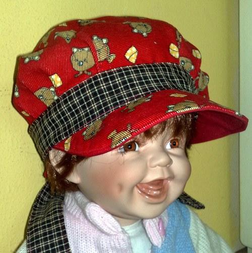 čapka červená vázací SLEVA