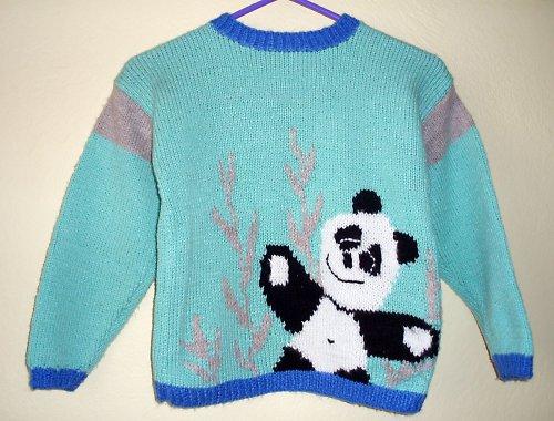 Svetřík s medvídkem pandou