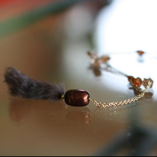náhrdelník - řetěz s přívěskem z pravé kožešiny