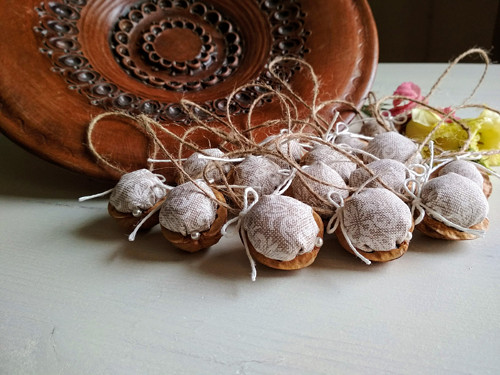 Dekorační oříšky Ivory Love elegant 15 kusů