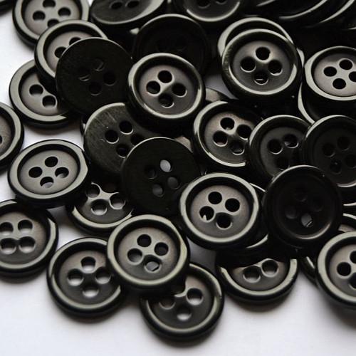 Plastový kulatý knoflík 10 mm - černý