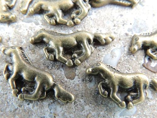 Komponent pádící kůň, 1 ks