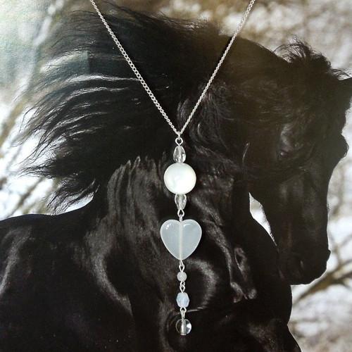 Náhrdelník Srdce v perleťovém závěsu