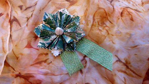 Zelená kytička s růžičkou