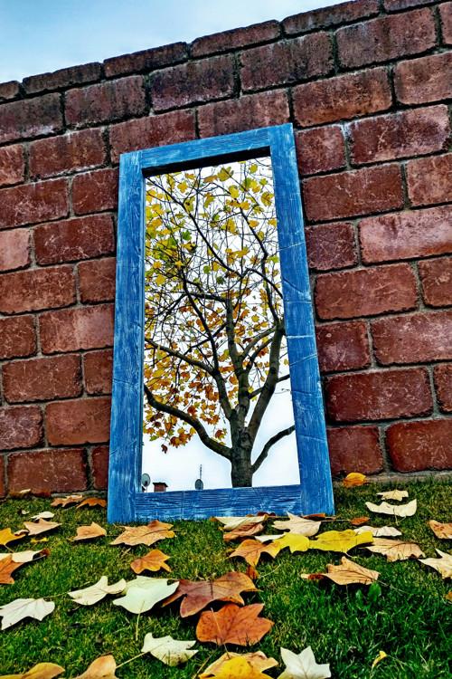 Zrcadlo v masivním dřevěném rámu  75x150 cm