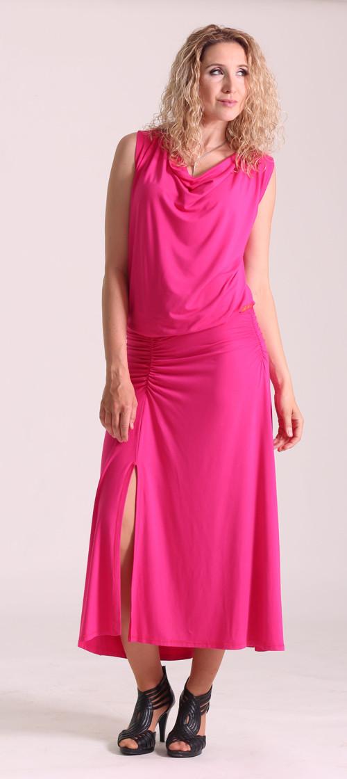 Cyklámenové  šaty se zvonovou sukní