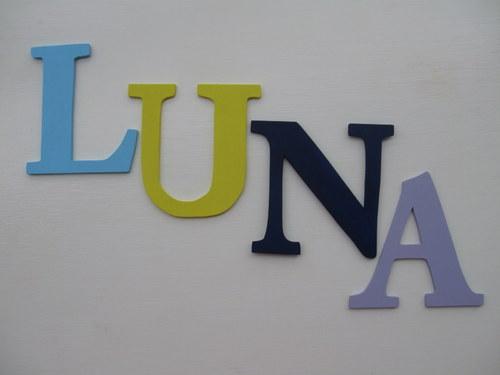 Dřevěná dekorace - písmena 14cm - barevná