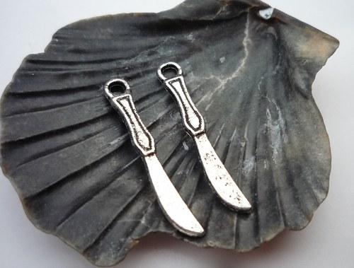nůž  2 ks