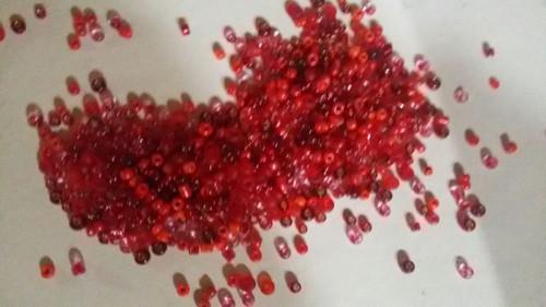Červené korálky 2-4 mm