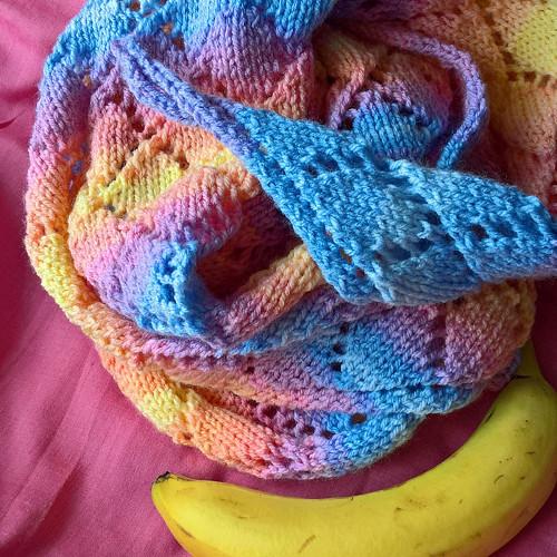 Šátek v barvách duhy