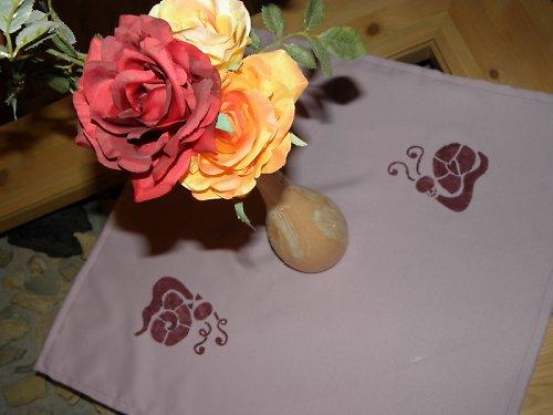 Ubrus fialová svatba šnečků