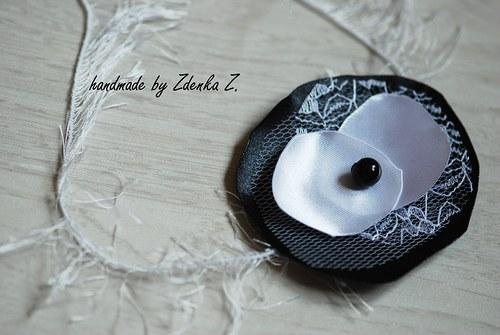 Černo - bílá čelenka