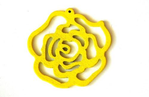 dřevěná růže- žlutá