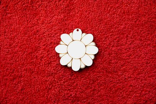 2D výřez přívěsek květina v.pr.3,8cm