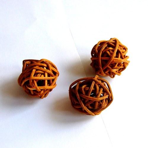 Kouličky prům. 3 cm, 3 ks, hnědé