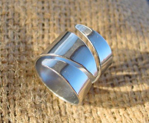 Nerezový prsten spirála