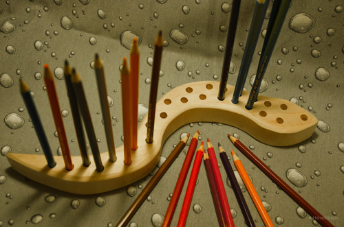 Hadí stojánek na pastelky a tužky