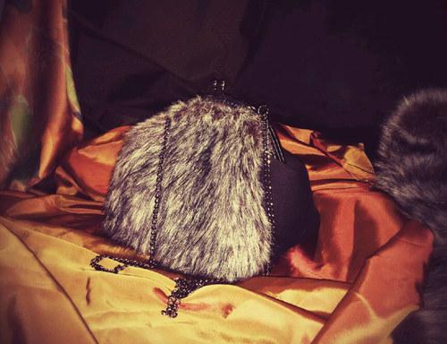 Malá luxusní kabelka portmonka s umělou kožešinou