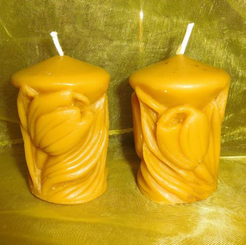 Svíčka z včelího vosku - válec s tulipány