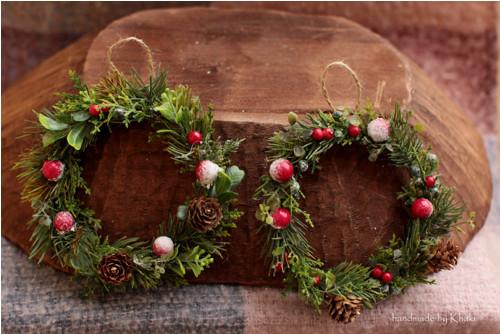 Menší vánoční věneček na zavěšení