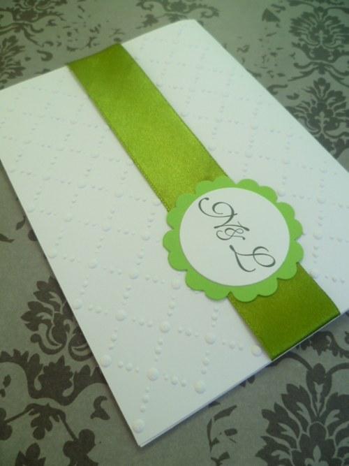 bílozelené svatební oznámení se vzorem