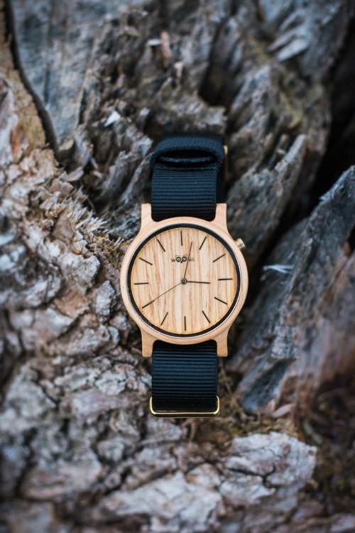 dřevěné hodinky woowa colourz z javoru (černá) 5a56941a13